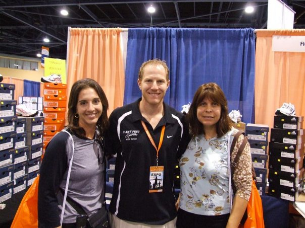 Dori Schloss Stern, Matt Baker, Lynn Smythe at Fleet Feet booth at Miami Health Expo